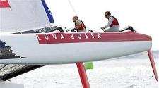 Paul-Campbell-James-skippered-Luna-Rossa-tops-Day-3-standings-of-2011-Extreme-Sailing-Series-Act-5-90112--473x264