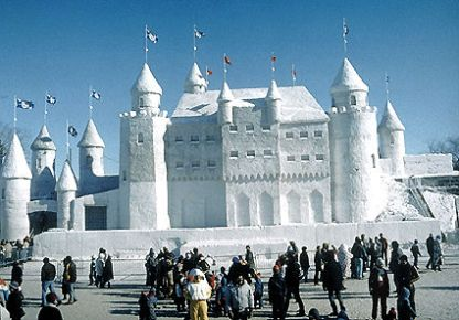 snow-palace-quebec-carnival-1125