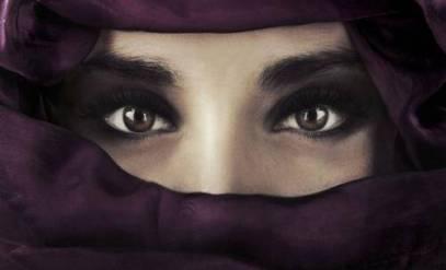 occhi-di-donna-con-velo_19885488_500x3041