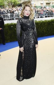 lea-seydoux-in-louis-vuitton-con-gioielli-chopard