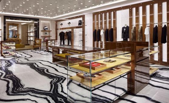 L'interno dello store di Dolce & Gabbana a Londra in Old Bond Street