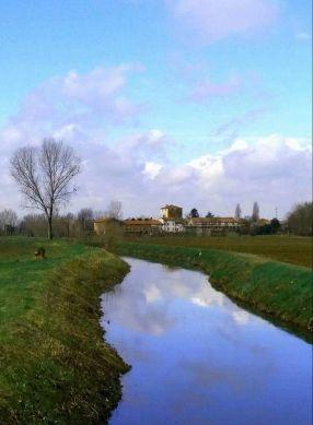 Il Torrione dei Conti Thiene sullo sfondo, dove visse come parroco il nobile della famiglia Thiene che divenne famoso come San Gaetano