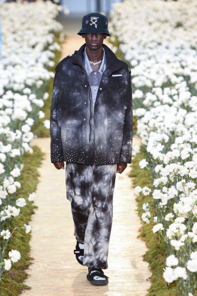 sfilata-off-white-collezione-uomo-primavera-estate-2020-parigi-isi-2564-maxw-800